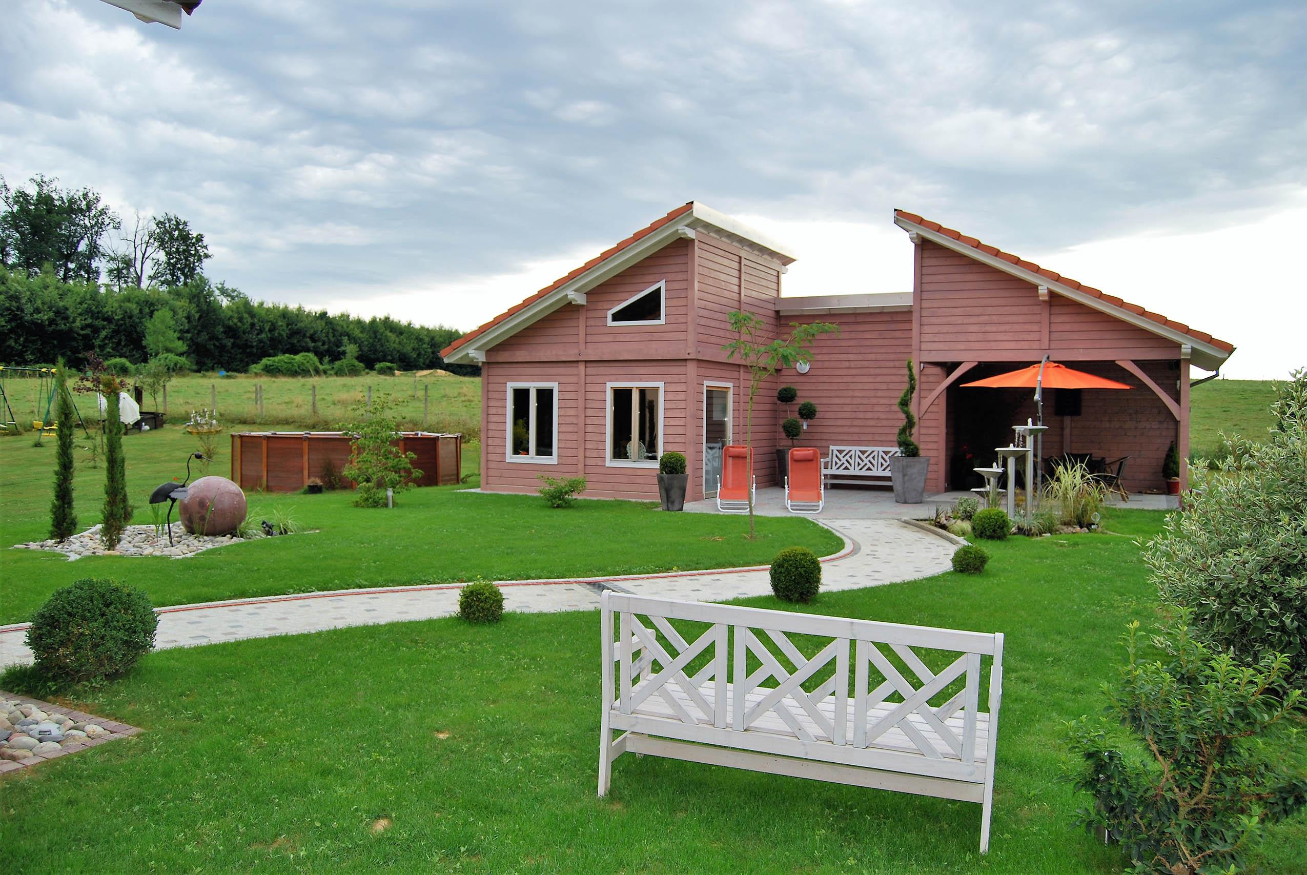 Construction D 39 Un Pool House En Bois Mooslargue En