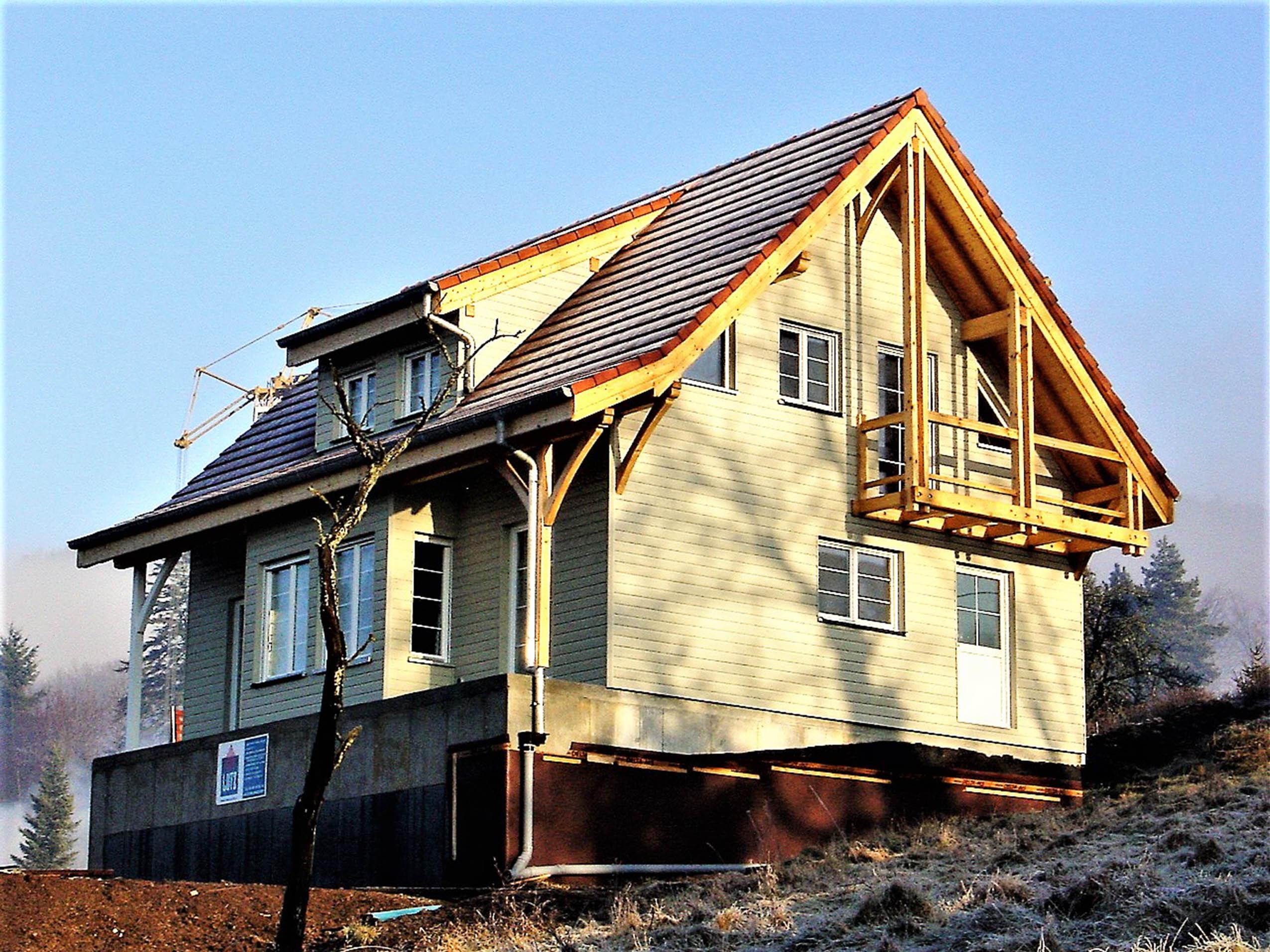 construction d 39 une maison bois classique masevaux niederbruck maisons bois lutz. Black Bedroom Furniture Sets. Home Design Ideas