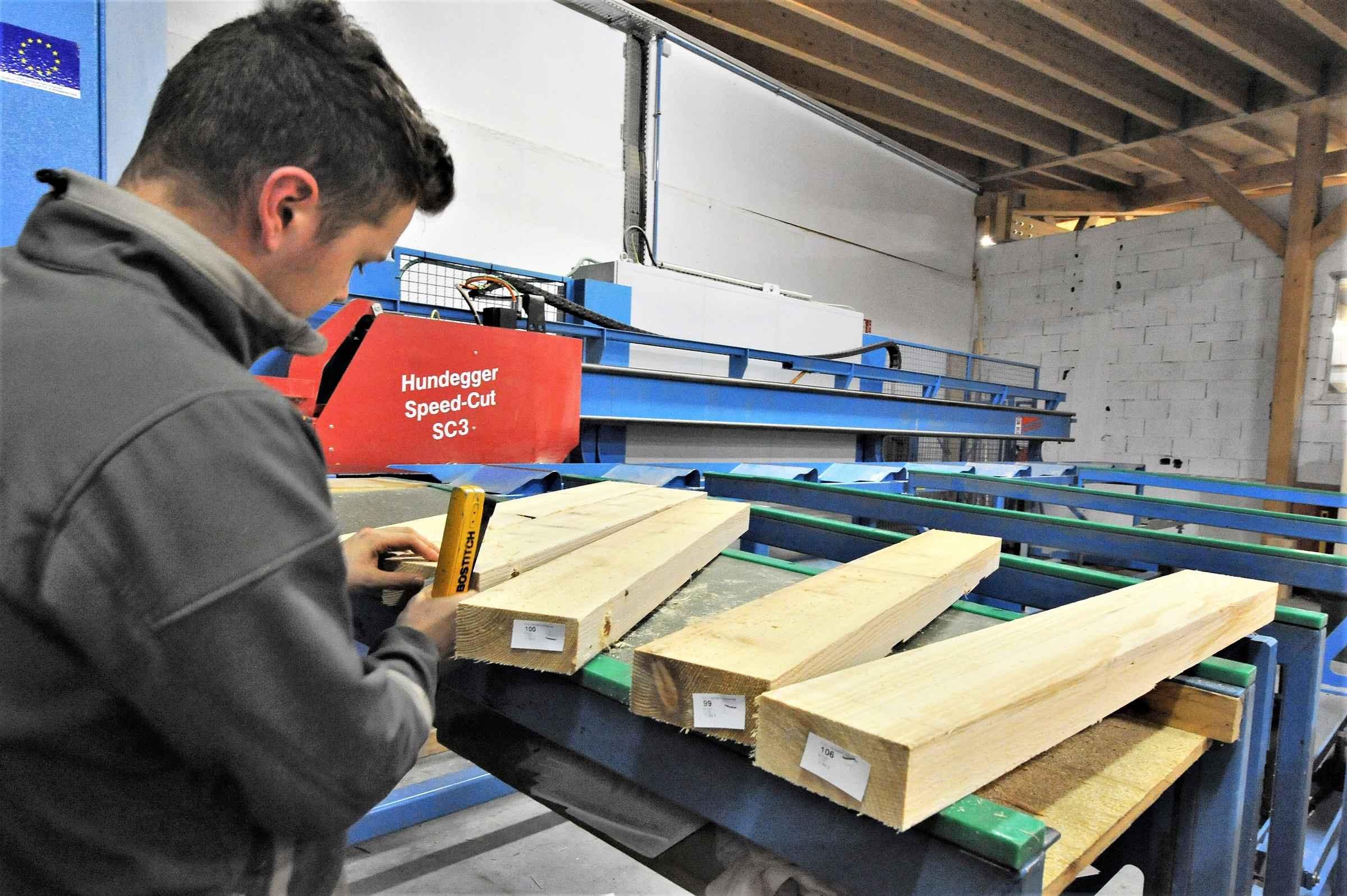 LUTZ recrute son apprenti(e) en CAP charpentier bois